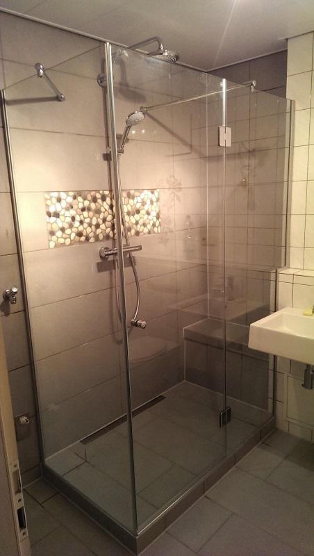 dusch und badkonstruktionen glas kahl gmbh co. Black Bedroom Furniture Sets. Home Design Ideas